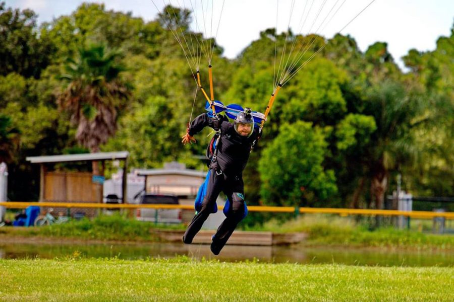 Amer Kassas swooping at Skydive City